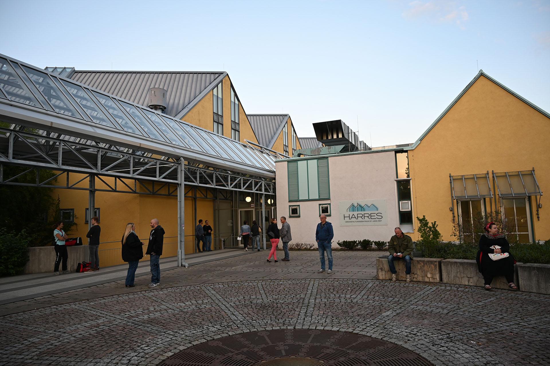 """Veranstaltungszentrum """"Harres"""" in St. Leon-Rot"""