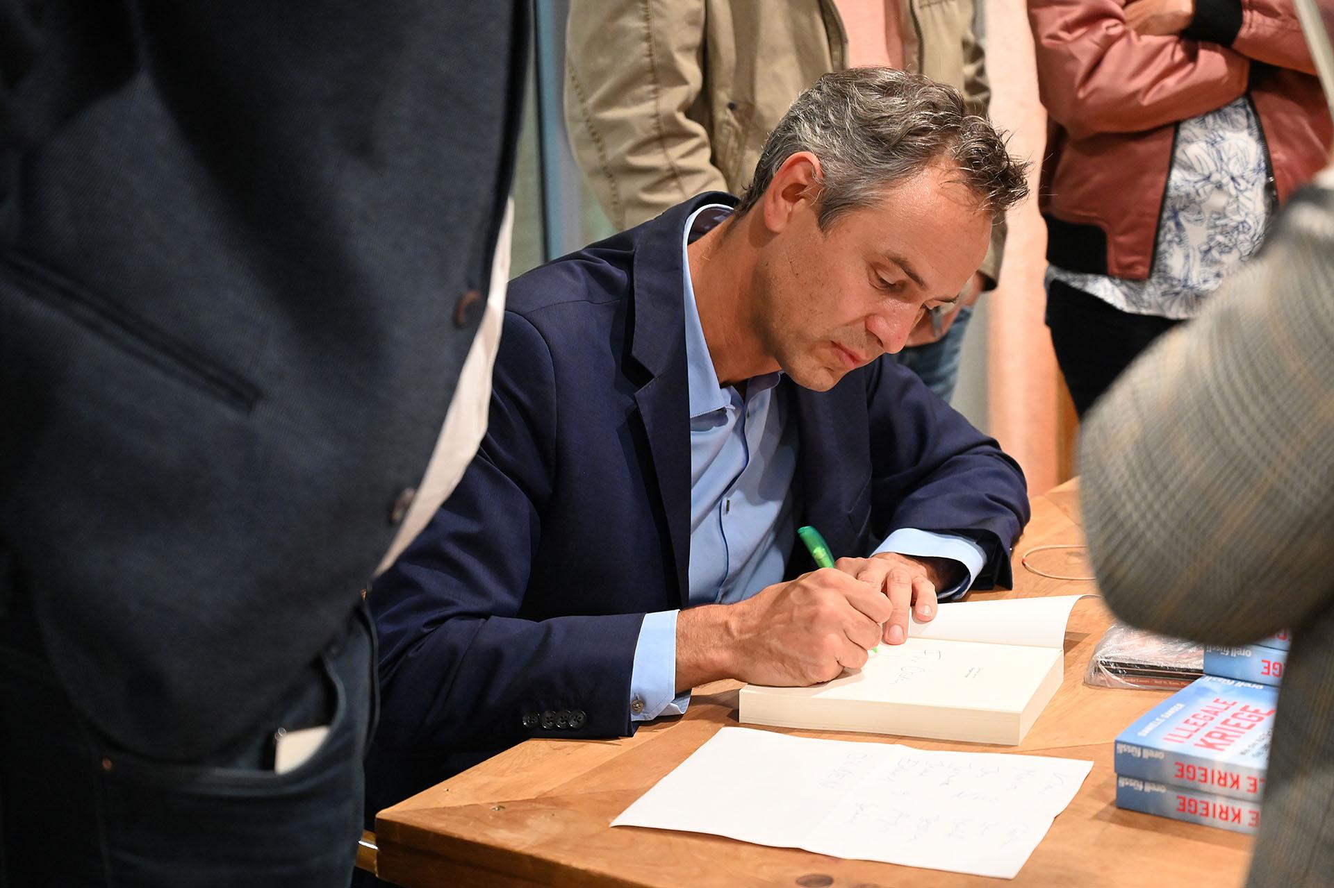 Bücher signieren